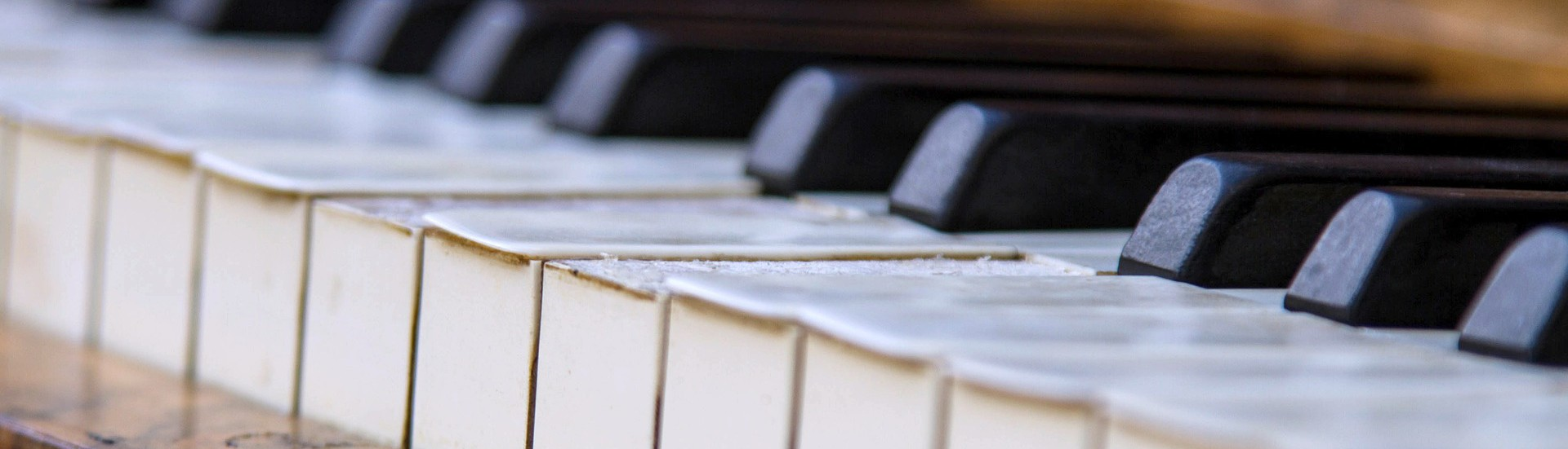 cropped-piano-453845_1920.jpg